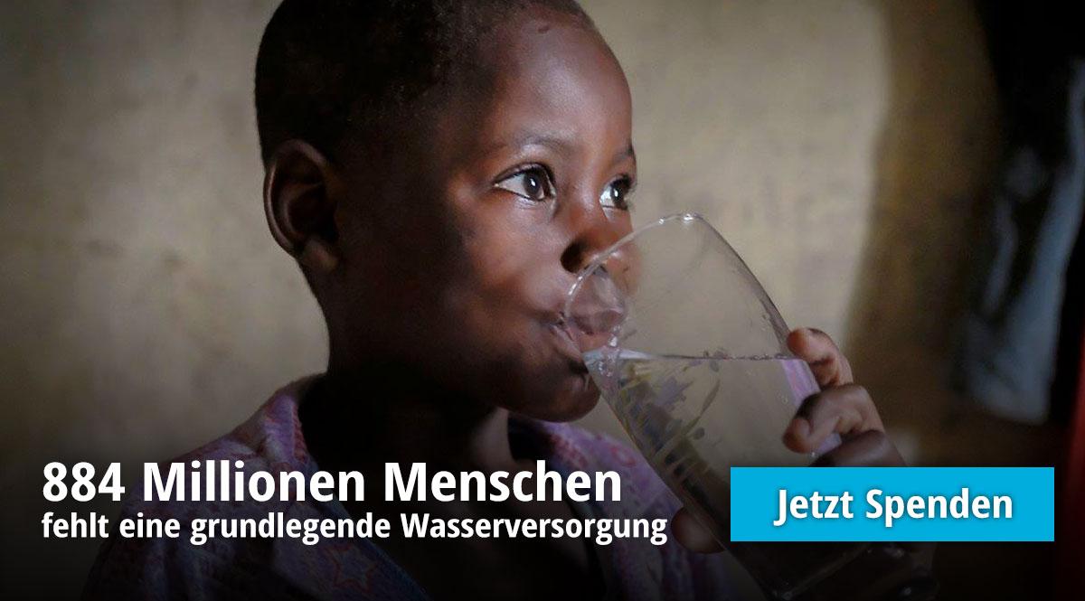 Spenden Banner - Kind trinkt aus einem Glas Wasser
